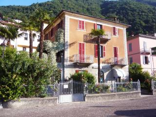 VILLA CAMILLA - big apartment on Como Lake, Argegno