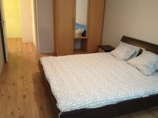 Bedroom 1 - Modern 2 Bed in Delf, South Holland