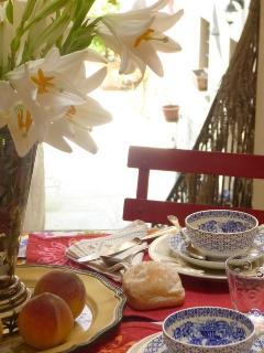 romantic breakfast, B&B Contrada Lunga, Linzanico, Abbadia Lariana, lake Como
