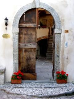 main door, B&B Contrada Lunga, Linzanico, Abbadia Lariana, lake Como