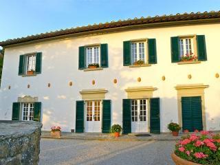 3 bedroom Villa in Cortona, Tuscany, Italy : ref 2018127
