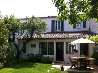 VILLAGE HOUSE + GARDEN + OCEAN, La Couarde-sur-Mer