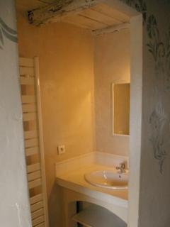 ouverture vers salle de bain de la chambre des champs