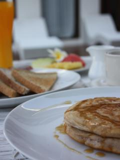 Choose from our delicious daily breakfast menu included in the rental price.