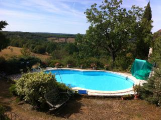 Soucirac - Lovely cottage in open countryside, Gourdon