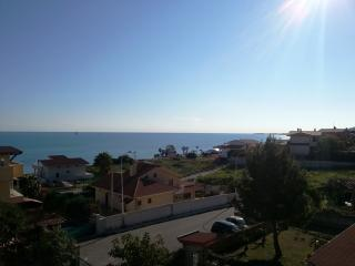 Villetta con giardino vista mare