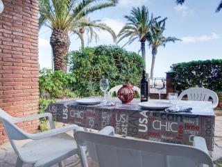BeachFront apt+gard Barcelona, Castelldefels