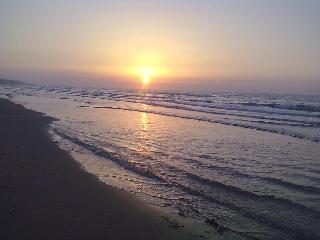 la nostra spiaggia al tramonto