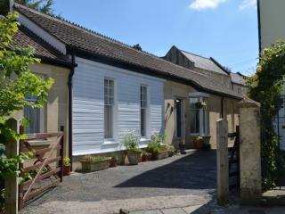 Bath Uk, Single storey 3 bedCoachhouse sleeps 2 - 6persons plus on site parking