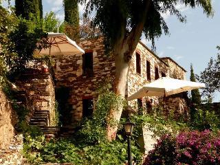 Valeondades houses