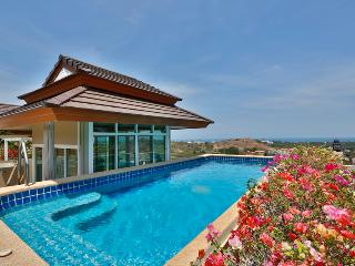 private pool penthouse 2 br, Khao Tao