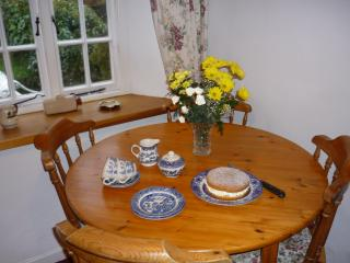 Afternoon tea at Crumplehorn Cottage No3 - Polperro