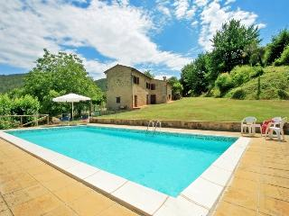 Typical rusctic Tuscan villa boasts private pool and amazing views, sleeps 6, San Dalmazio