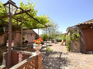 Viagrande Villa Sleeps 6 - 5229135