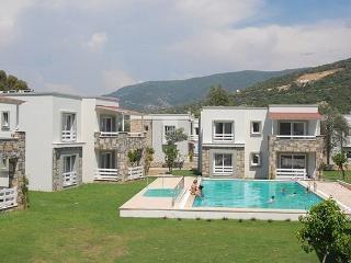 434- 4 Bed Duplex Villa Torba