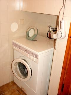 Bathroom with wasching machine