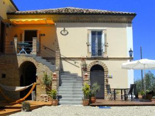 Casa Antica Alloggio LUNA, Elice