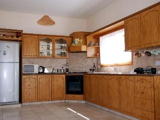 kitchen fully equipped