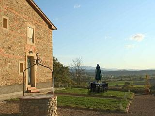 2 bedroom Villa in Laterina, Tuscany, Italy : ref 5228964