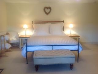 The Cottage B&B Dorset - Sherborne Room, Blandford Forum