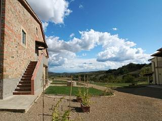 2 bedroom Villa in Laterina, Tuscany, Italy : ref 5228966