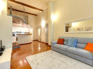 Bright, quiet apartment in the middle of Florence, close to Piazza San Marco and the Duomo