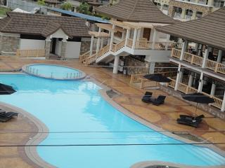 Pool, Clubhouse and Function Facilities