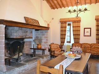 5 bedroom Villa in Rapolano Terme, Tuscany, Italy : ref 5228969