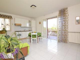 Letojanni Villa Sleeps 2 with Air Con - 5229140