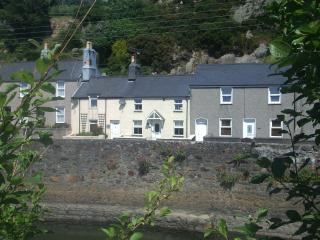 Pwllheli Marina Cottage