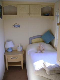 3 Bedrooms. Linen & towels provided, beds made for arrival, comfortable, Children welcome