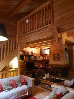 salon cheminée double hauteur