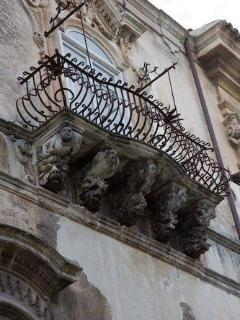 Ragusa Ibla - Typical balcony