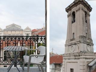 Mezzanine in the heart of Nice