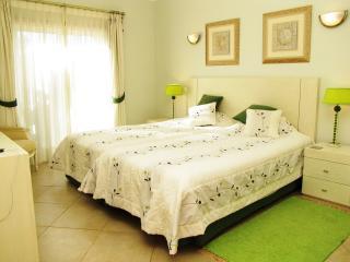 Master twin bedroom