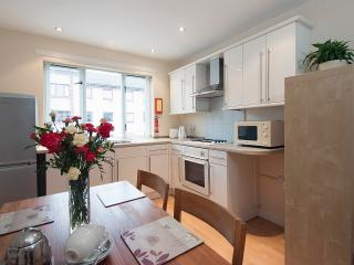 Stylish Central 3 Bed Apart