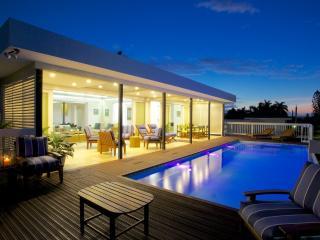 Moonshine Villa - 3 Bedrooms, Silver Sands