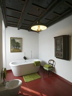 Suite exclusive bathroom