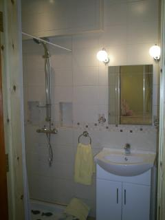 Bedroom 2 - Ensuite