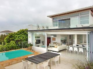Casa Bianca is a perfectly located and refreshingly furnished 4 bedroom modern and secure property