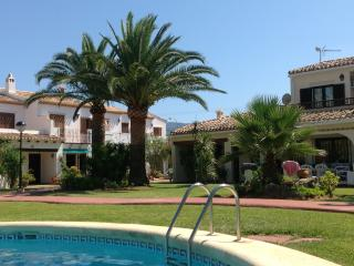 Villa con piscina y playa, Denia