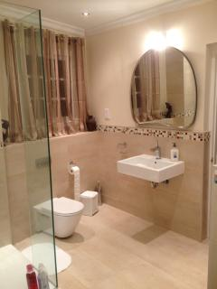 Huge 5 star en-suite bathroom