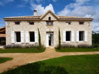 Lavayssiere - a luxury country manoir