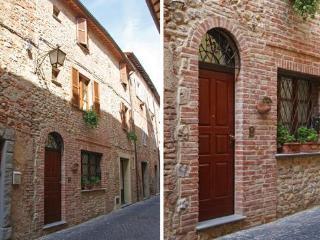 Casa Leone d'Orvieto, Montecchio