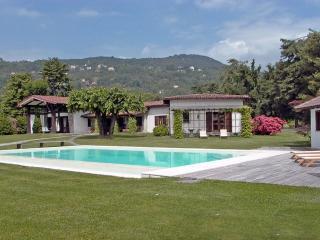 Villa Lavinia, Lesa