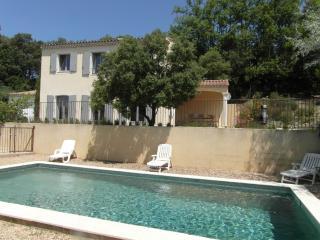 L'Oustau des oliviers, Mas provençal, piscine, vue, Rustrel