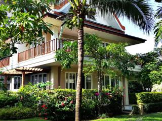 3 story beach villa w private spa and 3 pools.