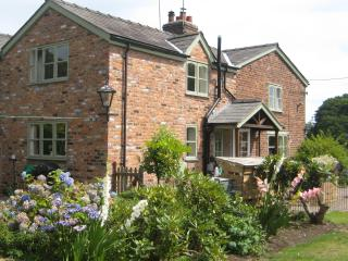 Idyllic boutique Chester Cheshire Cottage,