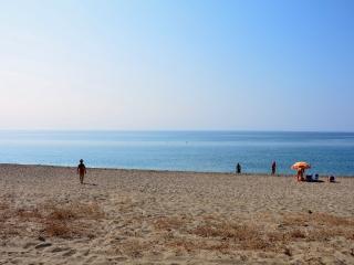 Holiday Houses By The Sea, Gitión
