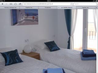 Luxury 2 bed /  2 bath Apt - La Torre Golf